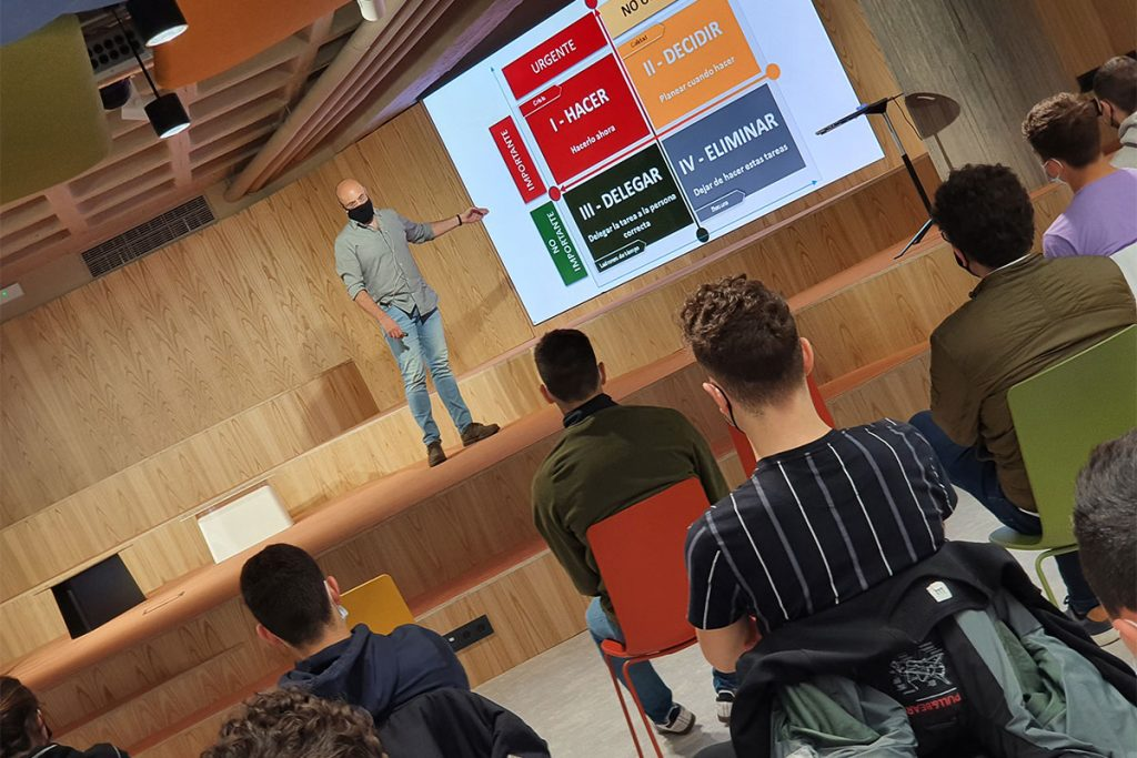 Andrés Rastrilla, socio fundador de Quick App, en su presentación en las Masterclass de Emprendimiento